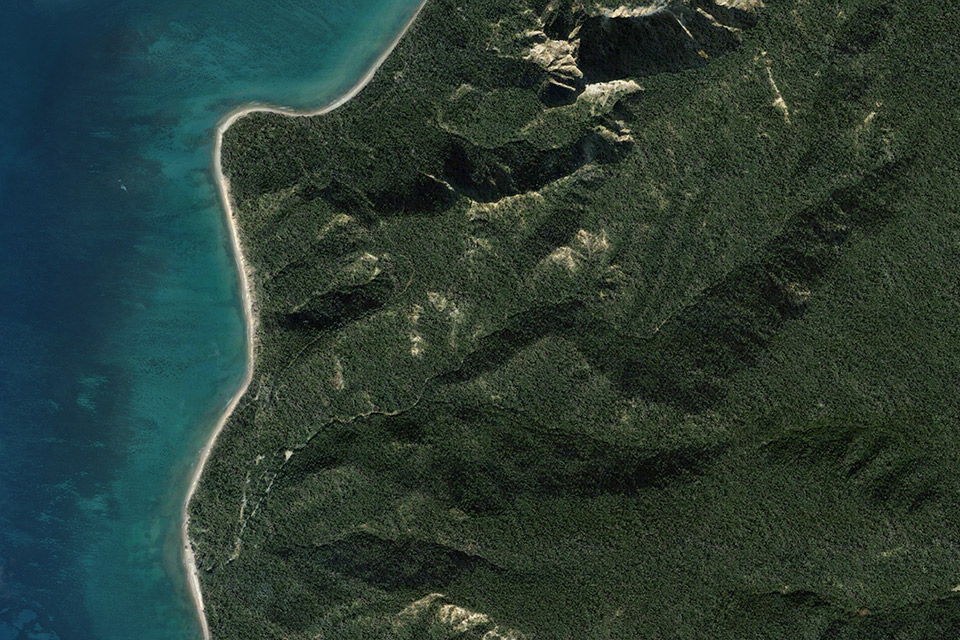 Although you can fly over a considerable distance of the Gallipoli Peninsula, only a relatively small quadrant needed to be textured and loaded at a high degree of detail. This saves processing power, load time and overall size and was an important consideration for the overall usability if the interface.